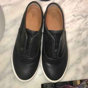 Women's size 6 mindy slip on Frye sneaker